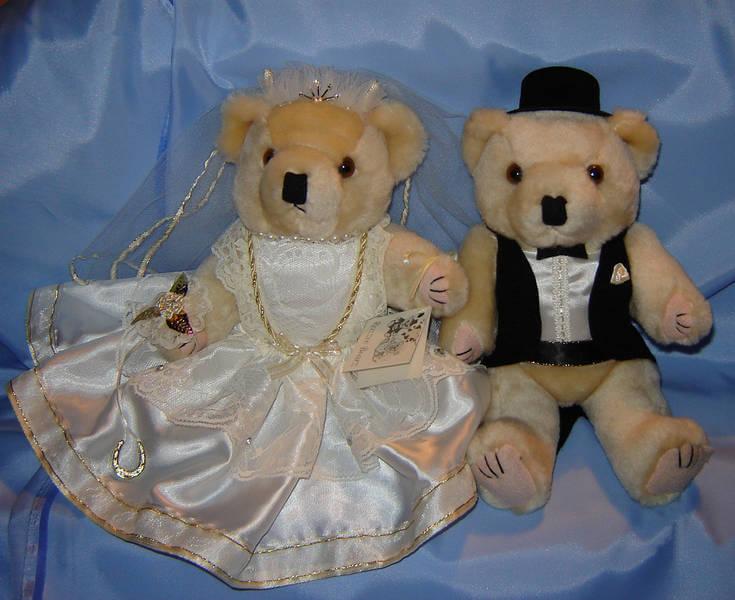 Ivory Dress Bride & Groom Bears